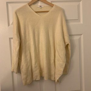 Uniqlo Large Cream White Wool Sweater